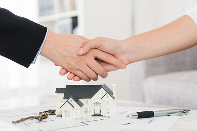 売却した家に住み続けられる「リースバック」って何?